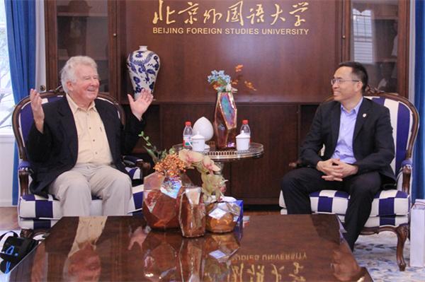World famous sinologist visits BFSU